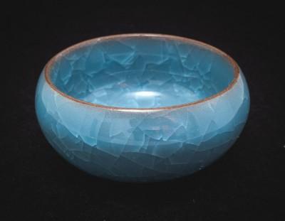 Czarka z gliny yixing z glazurą ozdobioną krakelurą turkusowa