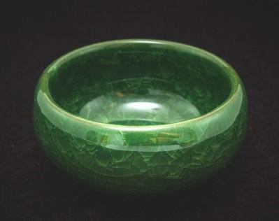 Czarka z gliny yixing z glazurą ozdobioną krakelurą zielona