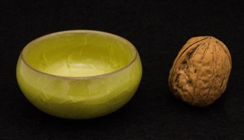 Czarka z gliny yixing z glazurą ozdobioną krakelurą